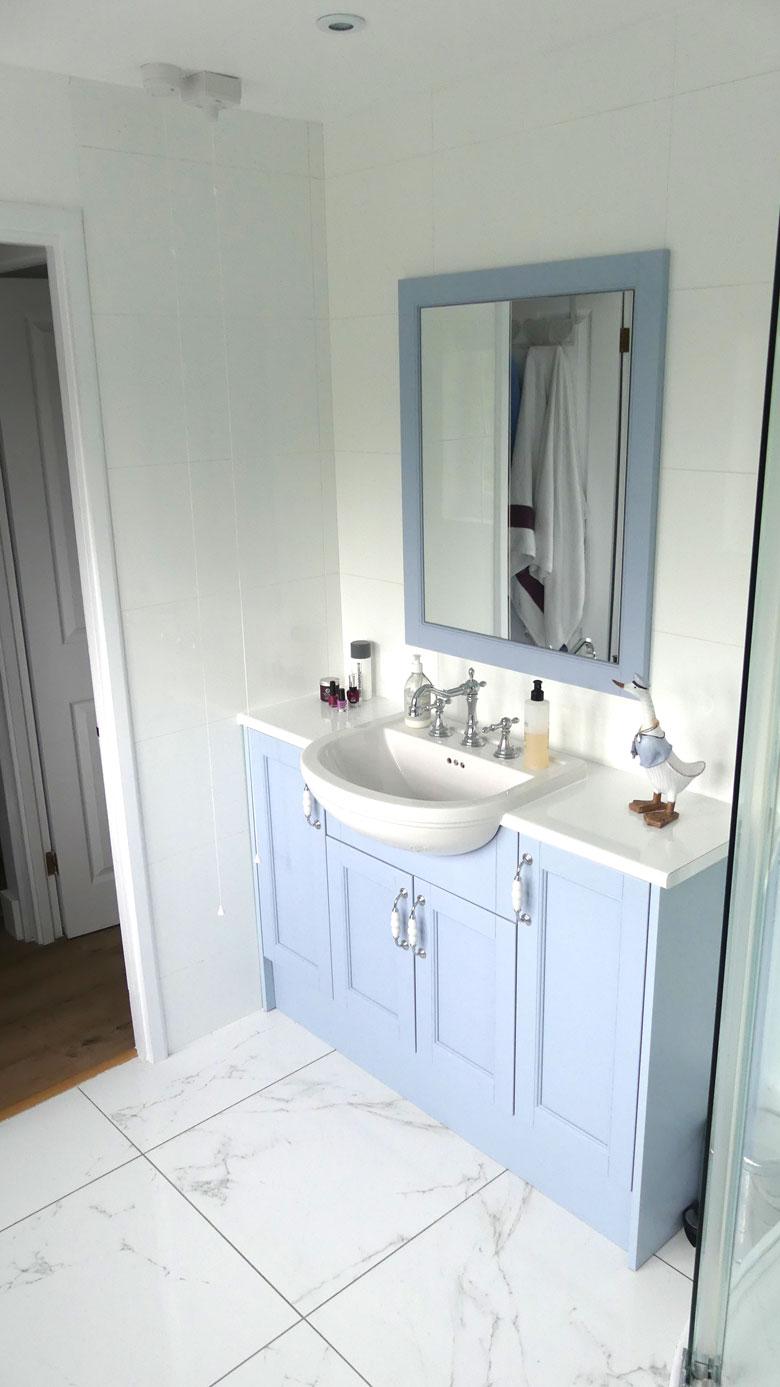blue-bathroom-2